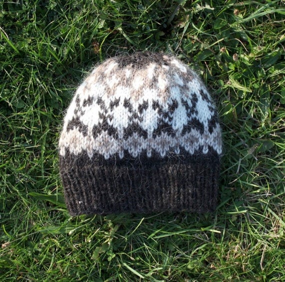 Hand knitted Icelandic wool hat