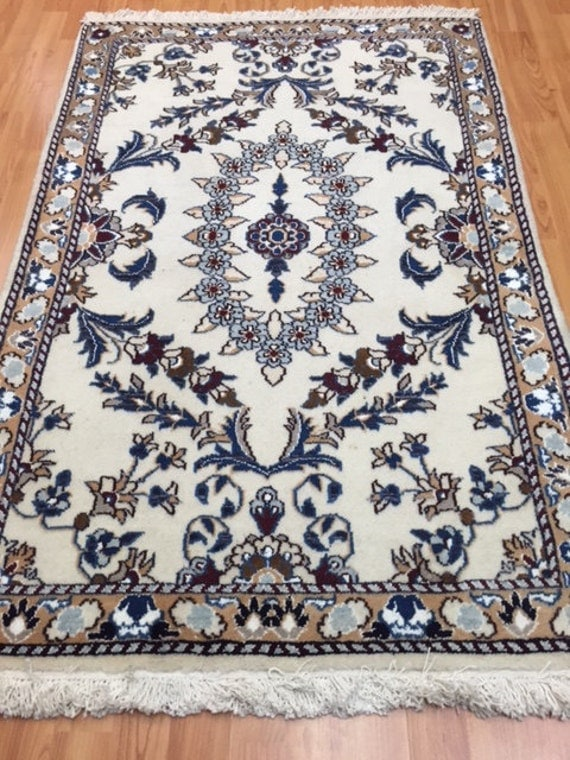 "2'9"" x 4'4"" Persian Nain Oriental Rug - Hand Made - 100% Wool & Silk Pile"