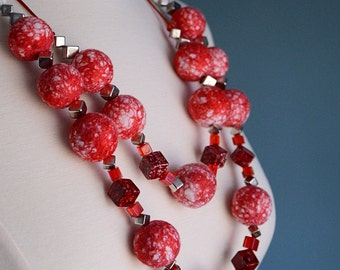 Felted wool necklace red and white, stylish accessory, statement necklace