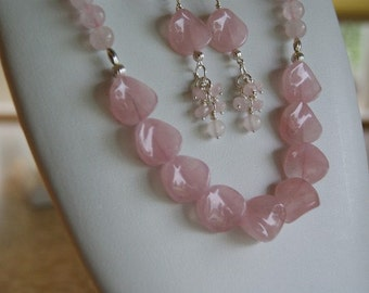 Pink Rose Quartz beaded necklace  -  223