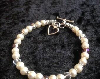 Pastel pink pearl bracelet