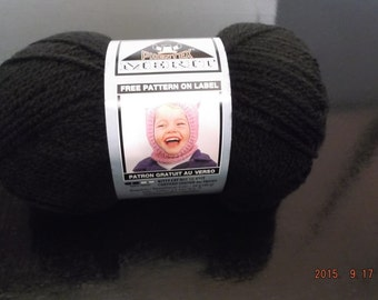 Phentex Merit Yarn ~ Medium # 4 ~ Worsted Weight ~ Black ~