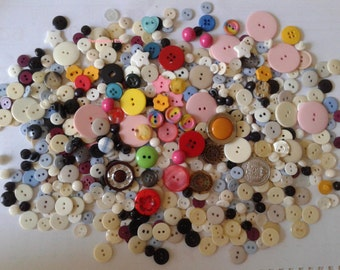 SALE! Assorted Buttons Bag(A) for Arts& Crafts/ Sewing/ DIY ( most buttons are from the 90s).