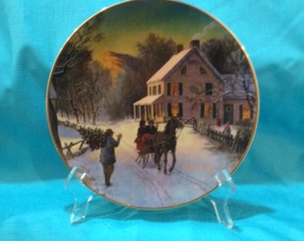 """Avon """"Home for the Holidays"""" Collector Plate 1988"""