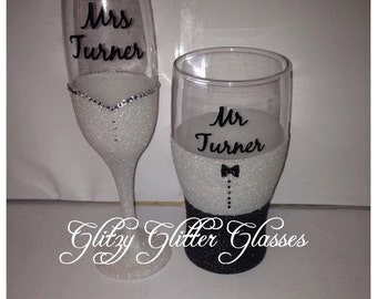 Wine glass and pint - Bride & groom glittered wedding gift set