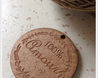 Set of 25 tags in wood with writing 100% love 4cm diameter