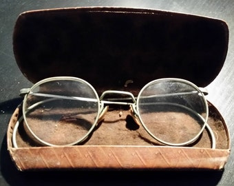 FulVue Vintage Round Wire Glasses and Case