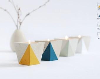 Tea light holder from concrete