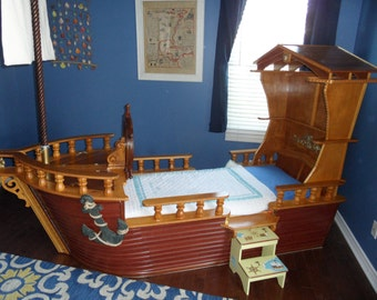 Nautical theme boat bed