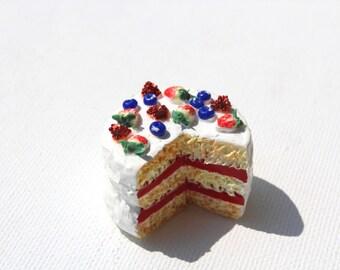 Strawberry cake, Miniature food, Food charm, Fruit charm, Food jewelry, Polymer clay charm, Kawaii cake necklace, Strawberry charm, Kawaii