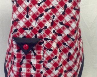 Black Ants Print Apron, Red Checkerd Woman's Apron, Kitchen Apron, Full apron, Bib apron, Country Style Apron