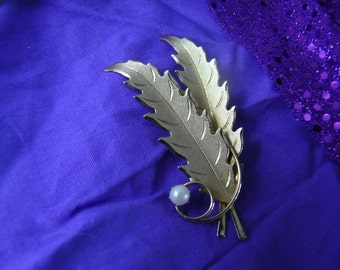 Vintage Gold Tone Feather with Faux Pearl Brooch