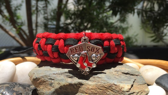 Boston Red Sox Paracord Bracelet, 4 different choices, with a stainless steel silver metal buckle