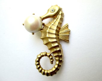 Vintage Figural Seahorse Brooch Pin Brushed Matte Gold Faux Pearl Cabochon Clear Rhinestone Eye