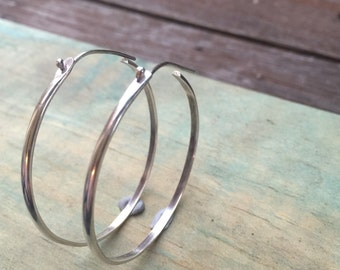 FREESHIP, silver hoop earrings, large hoops, minimalist silver hoops, threaded silver hoops, hoop earrings, silver earrings, handmade hoops