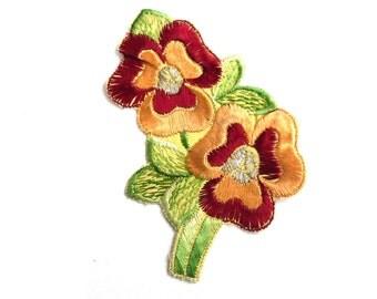 Applique, flower applique, 1930s vintage embroidered applique. Vintage floral patch, sewing supply. #5E8GA9K5D