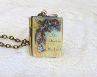 Alice in Wonderland Story Locket