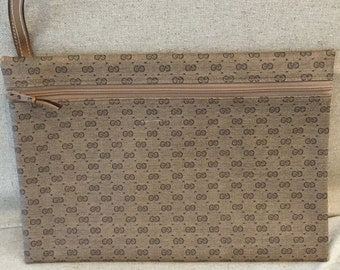 Vintage Gucci Clutch, Dark Brown Small GG Logo,  Tan Gucci Canvas Coated, Tan Leather Wrist Strap, Everyday Bag, Leather Interior, Gucci Tag