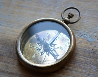 Large Compass Pendant, WORKING Compass Glass Face Antique Brass Compass Casing Vintage Military Style Compass Charm Pendant (BA020)
