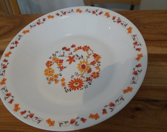 Great deep dish Arcopal - orange flowers