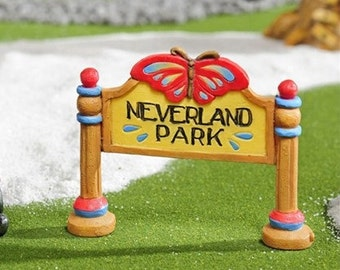 Mini Neverland Park SIgn