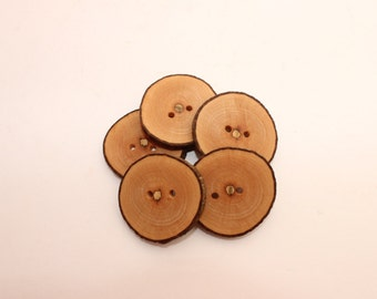 """Set of 5 maple wooden buttons 