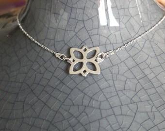 Sterling silver flower pendant charm bracelet