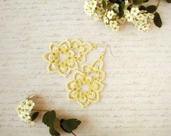 Tatted earrings Emma Tatting jewelry Earrings for bride Yellow earrings Tatting lace earrings Wedding earrings Chandelier earrings Boho
