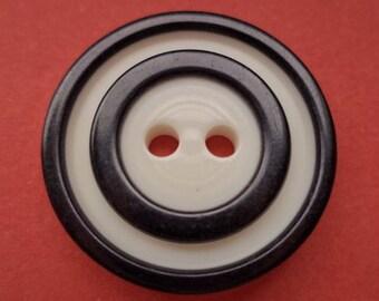 21 mm (2014) button 8 button white black
