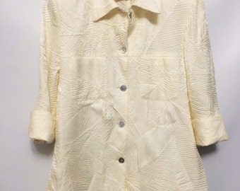 Vintage Cream Embossed/Pattern Shirt