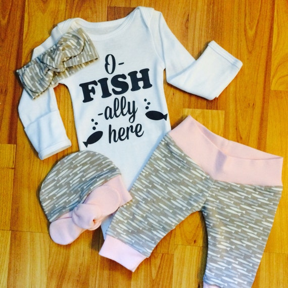 Baby girl coming home outfit o fish ally here fish pink for Baby fishing outfit