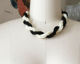 black and white torsade necklace . glass seed bead twist torsade . vintage two tone necklace . twisted necklace