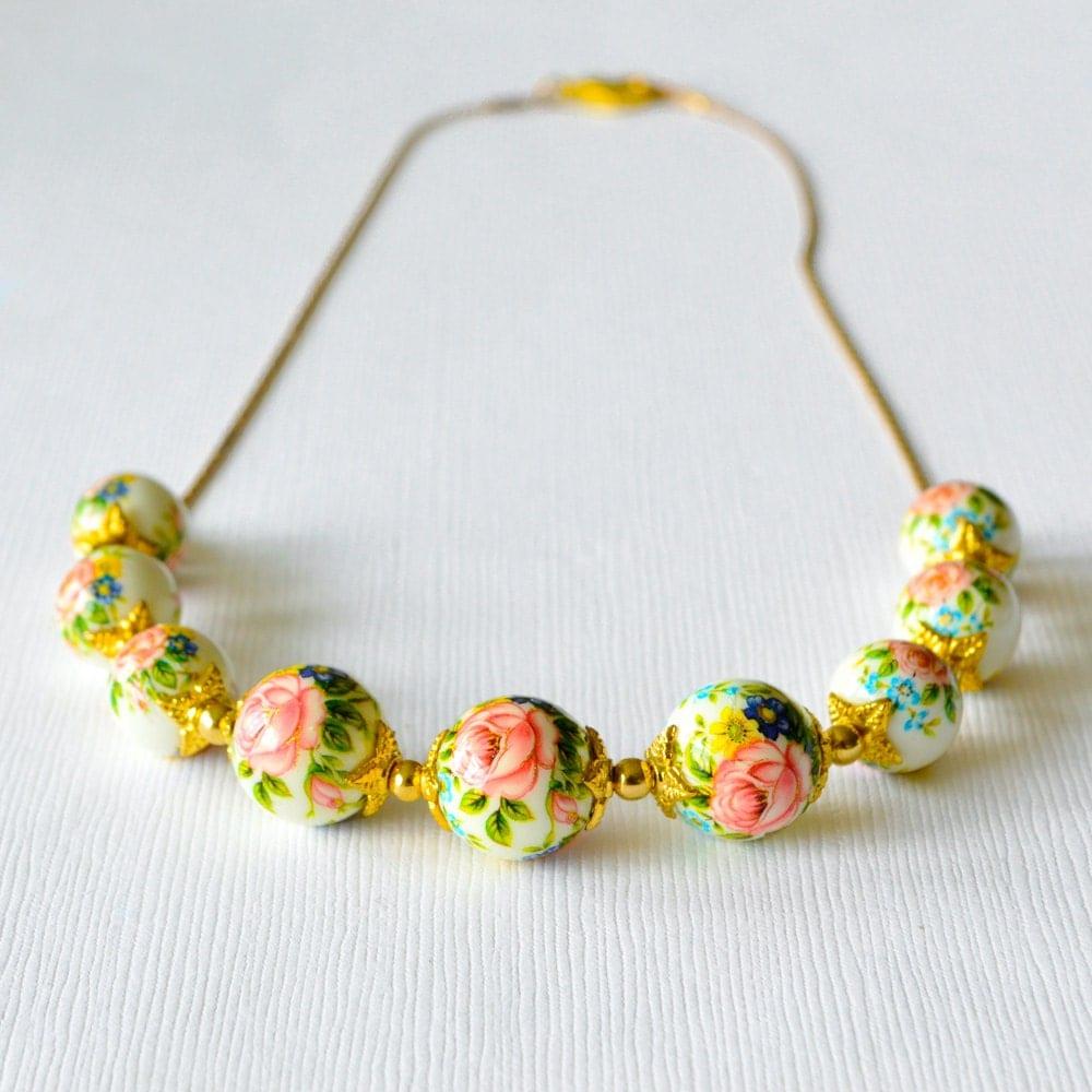 pink japanese tensha graduated gold beaded necklace