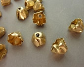 4 Bead Cap - Pretty Brass Flower
