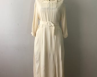 Vintage Wedding Dress 1930's era Ivory Rayon Crinkle Dress Scalloped Middy Collar Simple Modern Bridal Small Medium