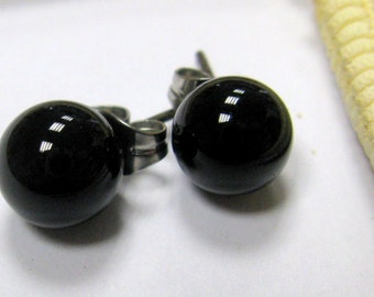 SMAUGGS handmade lampwork stud earrings (2p, 8mm x 10mm), glass, black, surgical steel, SRA
