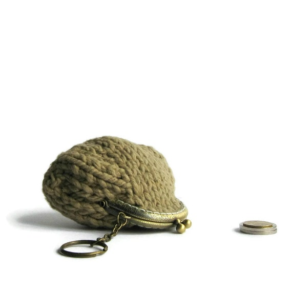 Small Coin Purse Knitted in Brown Cotton - Kiss Lock Frame with Keychain - Clasp Pouch