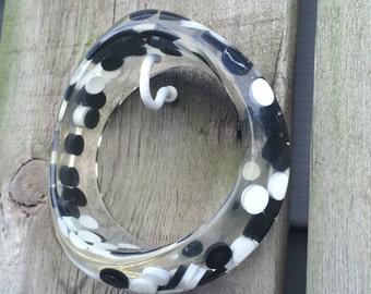 Vintage Plastic Aspirin Pill Polka Dot Lucite Confetti Asymmetric Wavy Candy black and white Bangle Bracelet Deadstock