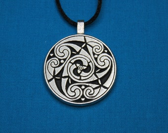 Large Circular Celtic Designed Pendant in Silver Pewter, Handmade, Handcast STK029