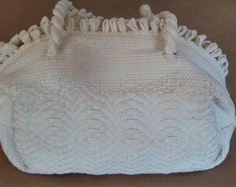 30s-40s sack bag. Loom-crocheted purse in white. Doctor's bag-sack, original metal zipper
