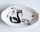 Crowned swan platter