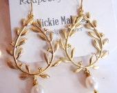 Reserved: Four Sets Gold laurel Wreath Earrings, Dangle Drops, Olympic Wreath, Bridesmaid Earrings, Pearl Earrings, Gardendiva