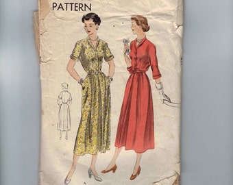 1950s Vintage Sewing Pattern Vogue 6804 Misses Shirtwaist Dress with Scalloped Front Size 18 Bust 36  50s  99