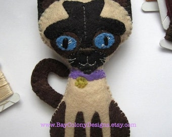 Siamese Points -- INSTANT DOWNLOAD Felt Ornament Sewing Pattern (92315)