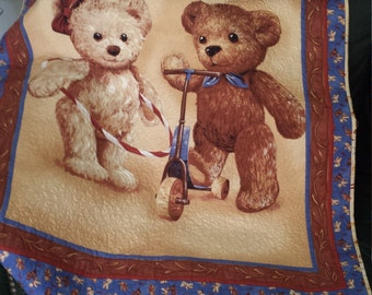 Baby Quilt a Pair of Teddy Bears PLUS BONUS GIFT