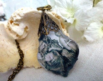 Romancing in Lisbon Photo Prism Necklace - Fountain Sculptures Travel  Long Sweater Necklace - Travel, Wanderlust, Honeymoon Gift