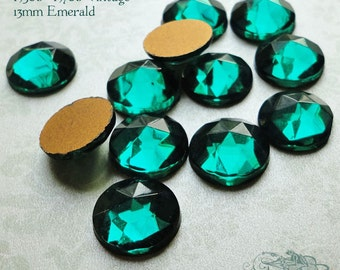 Vintage Cabochons - 13 mm Facet Emerald Green -  6 West German Faceted Glass Stones
