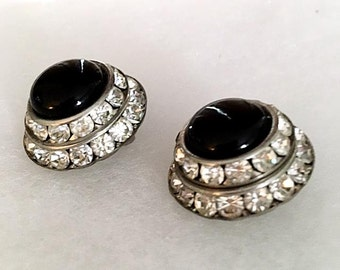 Vintage 1950s Black Cabochon Rhinestone Earrings 50s Silver Tone Clip On Earrings Retro Dome Shape Costume Jewelry