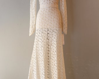Vintage 1930s Wedding Dress ~ Vintage 30s Ivory Lace Bias Cut Wedding Gown Full Sleeves and Train