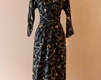 Vintage 1950s Wiggle Dress with Abstract Print ~ Vintage 50s Fitted Dress With Floral Print